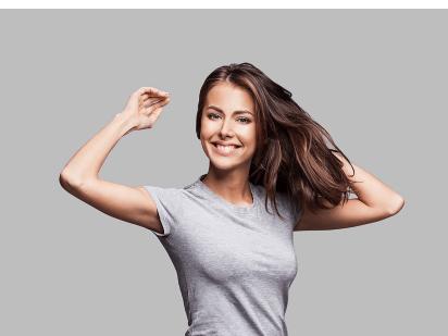 Femme après un traitement mésothérapie anti-chute de cheveux