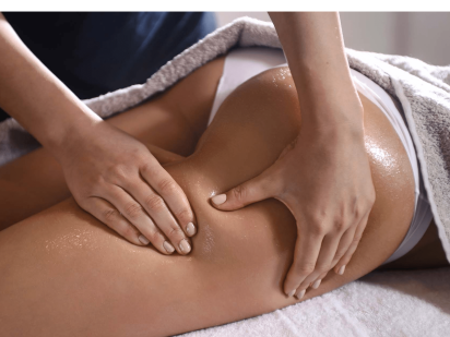 Massage cuisse durant le soin minceur Phytomer P5